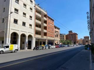 Foto - Piso de cuatro habitaciones via Aurelio Saffi 15, Saffi, Bologna
