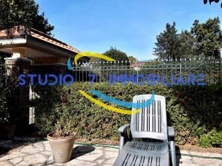 Foto - Villa a schiera Contrada Valle Santa..., Picarelli, Rione Ferrovia, Archi, Avellino