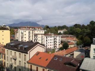 Foto - Bilocale via Giuseppe Speroni 14, Centro, Varese