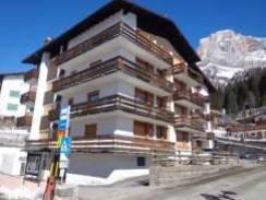 Foto - Albergo / struttura ricettiva all'asta via Passo Rolle 239, Primiero San Martino di Castrozza