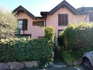 Foto - Villa a schiera via Giuseppe Verdi, Daverio