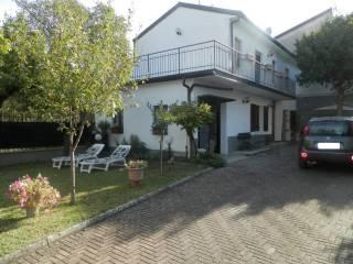 Foto - Villa unifamiliare, buono stato, 100 mq, Montecalvo Versiggia