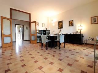 Foto - Quadrilocale Strada Santa Candida 10, Poggiofranco, Bari