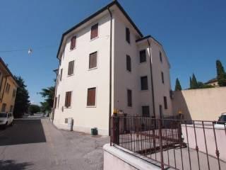 Foto - Bilocale via brennero 110, Sant'Ambrogio di Valpolicella