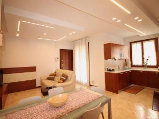 Foto - Appartamento via Vittorio Alfieri 6, Altavilla Vicentina