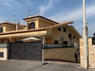 Foto - Villa plurifamiliare via Castel Madama, Setteville Nord, Guidonia Montecelio