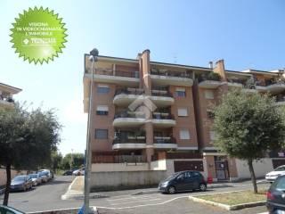 Foto - Bilocale viale Odisseo 24, Colli di Enea, Sedici Pini, Pomezia
