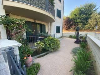 Foto - Quadrilocale via Valignani 25, Villanova, Cepagatti