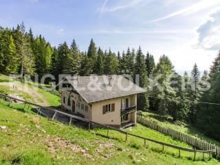 Foto - Landhaus, guter Zustand, 30461 m², San Genesio Atesino