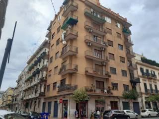 Foto - Trilocale via Guglielmo Oberdan 54, Borgo, Taranto