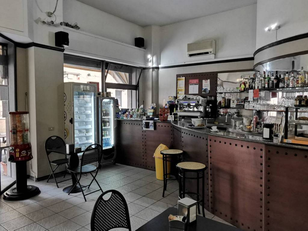 Bar via Gioacchino Rossini 3, Varese, rif. 83029247 ...