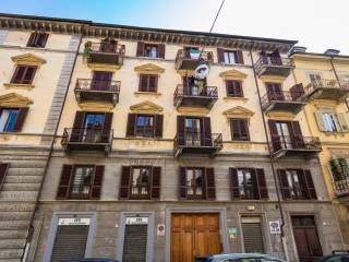 Foto - Quadrilocale buono stato, secondo piano, Crocetta, Torino