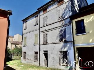 Photo - Single-family townhouse 270 sq.m., to be refurbished, San Benedetto Po
