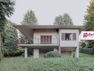 Foto - Villa unifamiliare via Giuseppe Verdi 9, Sirtori