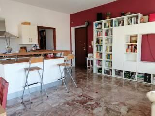 Foto - Trilocale via Giulio Cesare, Centro, Aprilia
