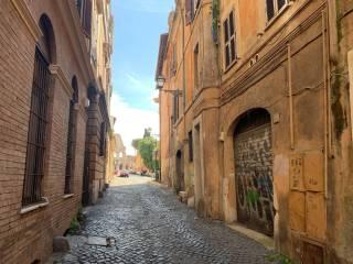 Foto - Trilocale via del Cardello, Colle Oppio, Roma