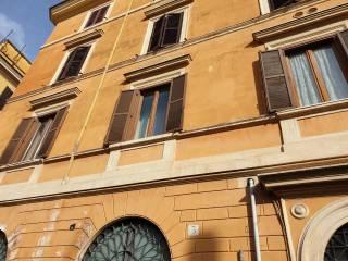 Foto - Trilocale via del Mattonato, Trastevere, Roma