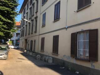 Foto - Bilocale via Carlo Romanoni 1, Locate di Triulzi
