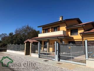 Foto - Villa bifamiliare via Ugo Foscolo 1, Salerano sul Lambro
