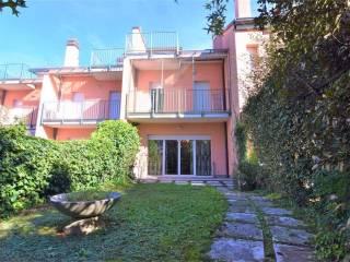 Foto - Villa unifamiliare via dante alighieri, Fenegrò