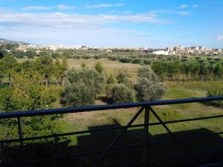 Foto - Quadrilocale buono stato, terzo piano, Contrada dei Tigli, Via degli Oleandri, Alba Adriatica