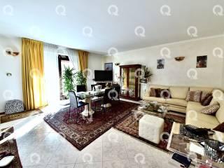 Foto - Villa bifamiliare, buono stato, 100 mq, Lazzate