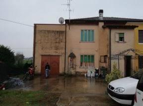 Foto - Appartamento, terreno agricolo all'asta corso Cesare Battisti, Sanguinetto