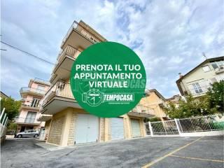 Foto - Trilocale via Piave 4, Loano