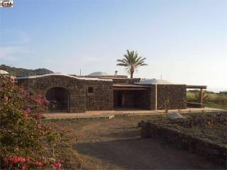 Photo - Single family villa, excellent condition, 110 sq.m., Pantelleria