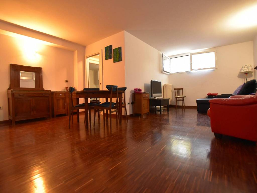 Vendita Appartamento Bologna. Trilocale in via Vallescura ...