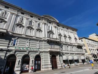 Foto - Quadrilocale piazza San Giovanni 3, Borgo Teresiano, Trieste