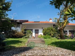 Foto - Villa a schiera via Enrico Fermi 13, Sant'ilario, Nerviano
