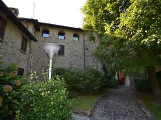 Foto - Trilocale via Ghislanzoni 9, Calco