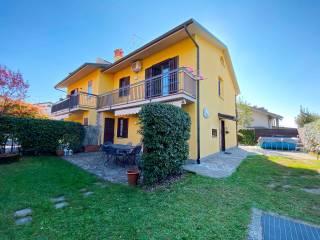 Foto - Villa a schiera via Giacomo Bosis, Scanzorosciate
