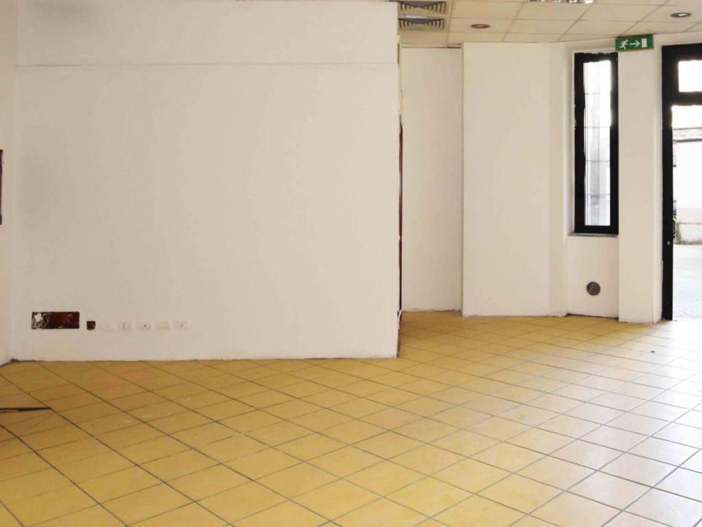 Locale commerciale via Antonio Stoppani, Milano, rif ...