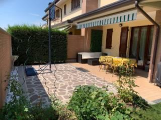 Foto - Villa plurifamiliare via Don A  L  Lazzari 7, Bernareggio