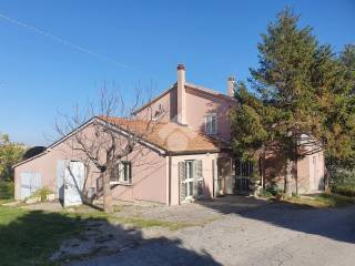 Photo - Single-family townhouse 370 sq.m., good condition, Guzzano Inferiore, Castellalto