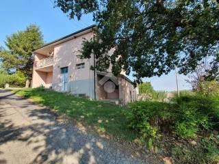 Foto - Terratetto unifamiliare 370 mq, buono stato, Guzzano Inferiore, Castellalto