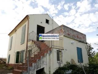 Foto - Appartamento da ristrutturare, piano terra, Crecchio