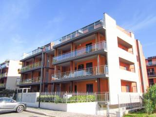 Photo - 3-room flat via Luca della Robbia 1B, Pineto