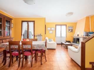 Foto - Villa a schiera 5 locali, ottimo stato, Scandiano