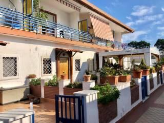 Foto - Villa a schiera via Monte Nuovo Licola Patria, Arco Felice, Pozzuoli