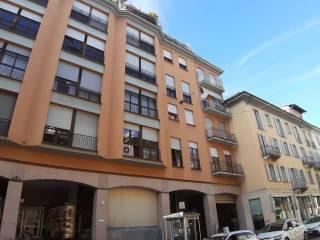 Foto - Trilocale corso Strada Nuova 86, Centro Storico, Pavia