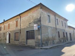 Photo - Single-family townhouse via Dante Alighieri, Rivarolo Mantovano