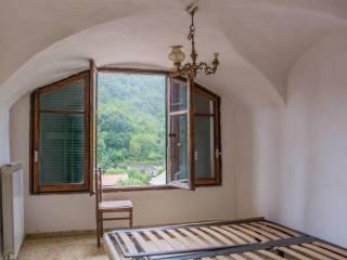 Foto - Appartamento da ristrutturare, primo piano, Rocchetta Nervina