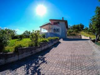 Foto - Villa unifamiliare, buono stato, 160 mq, Ceppaloni