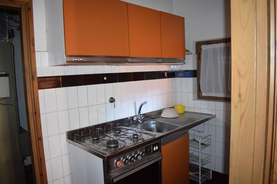 Vendita Villa plurifamiliare in via Sasso della Volpe ...