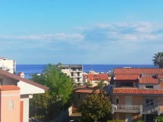 Foto - Bilocale buono stato, quarto piano, Giardini-Naxos