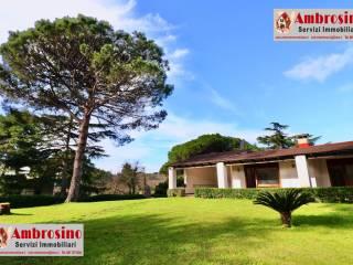 Foto - Villa a schiera via Monterusciello, Pozzuoli