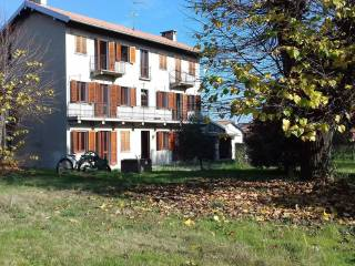 Foto - Cascina via Annuncata Bournè 11, Oleggio